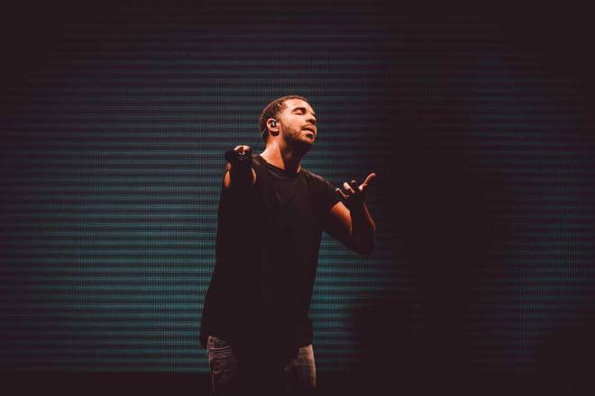 Drake live @ BNE Ent. Centre on March 5th, 2015. Photo courtesy of Claudia Ciapocha.